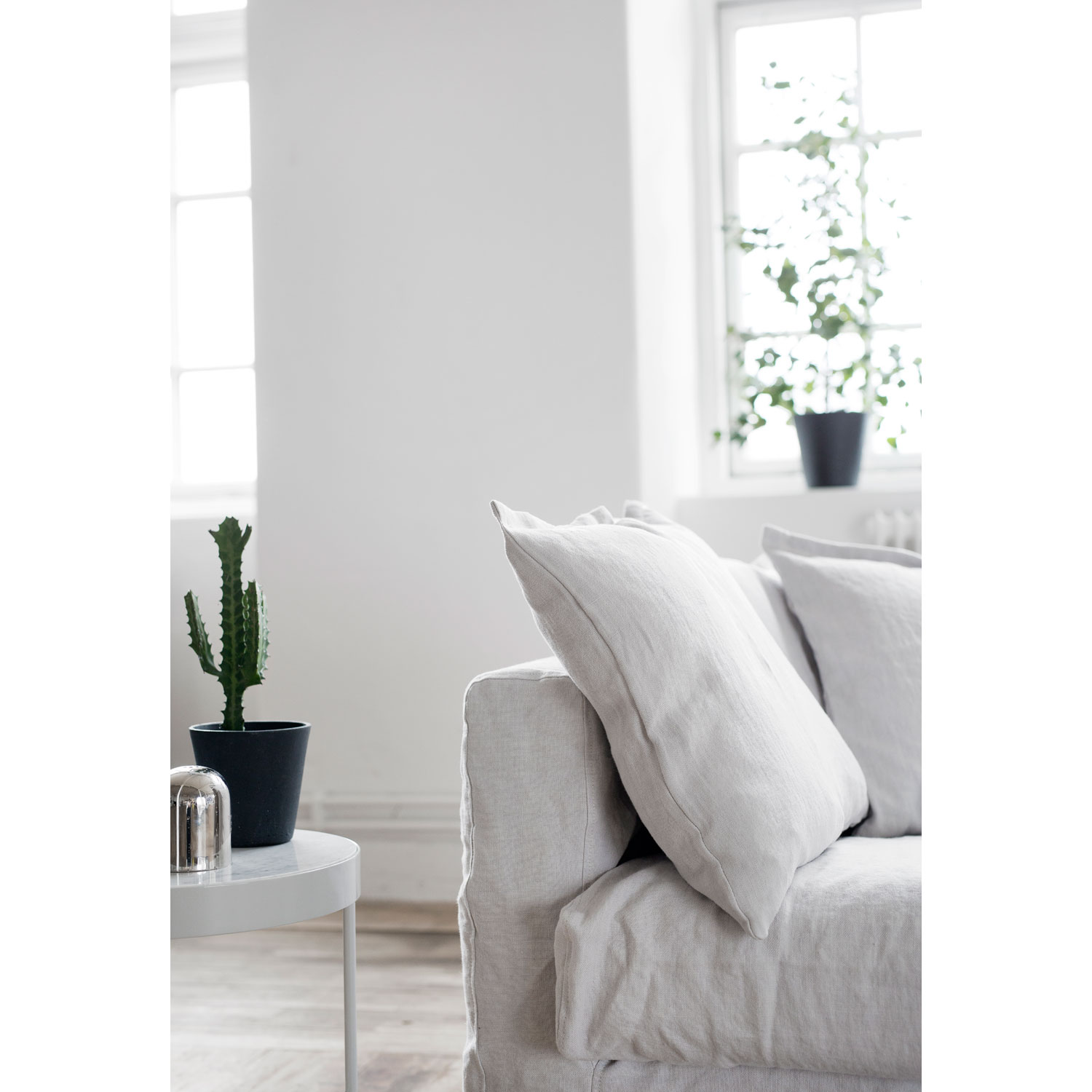 Le Grand Air Loveseat, Misty Grey
