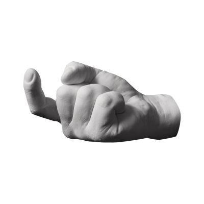 Reality Hand Krog C´mere fra Areaware, formgivet af Harry Allen. Hånden er en afstøbning af formgiverens egen hånd og den sættes på væggen. Den hjælper dig med at holde orden på dine smykker, nøgler, sæbe eller tøj. Hånden fås i flere forskellige modeller. Hånden er i skala 1:1.